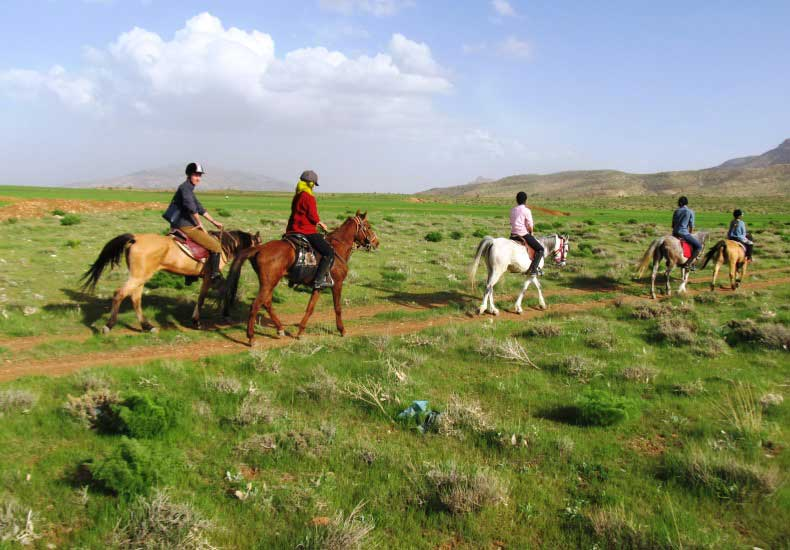 Horse Riding in Haft-Barm (4 D)